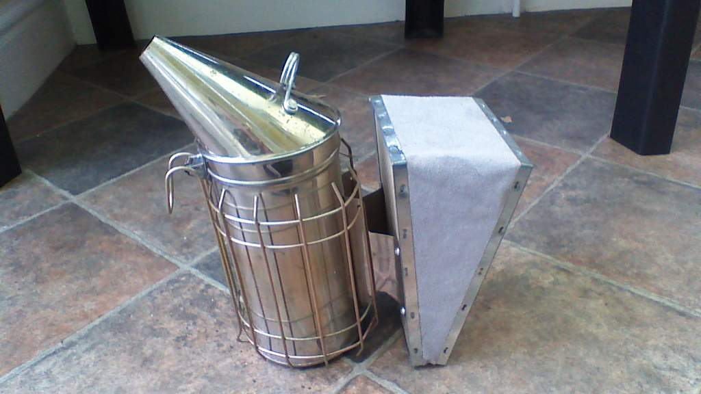 Smoker Stainless Steel 10 cm with Protection Frame ...
