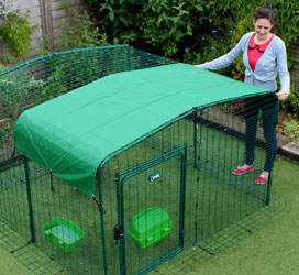 Omlet walk in chicken run with heavy duty roof cover
