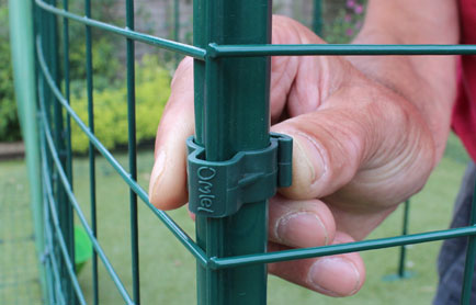 Pole clips for the Omlet walk in chicken run.